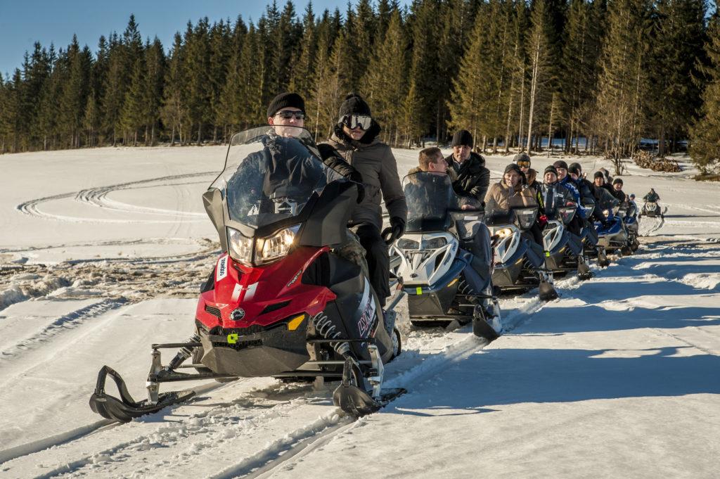 snow adwenture wyprawa na skuterze snieżnym